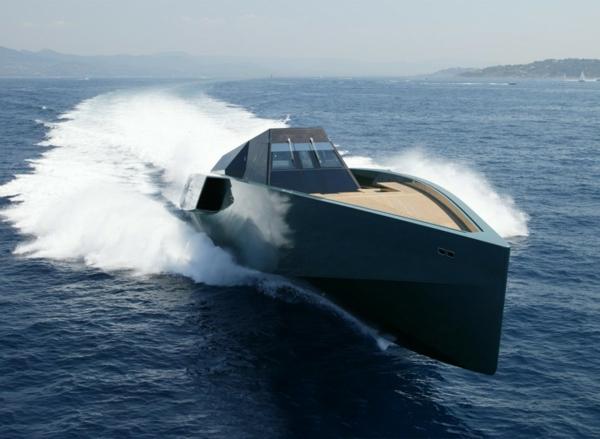luxuriösische-yachte-modernes-design
