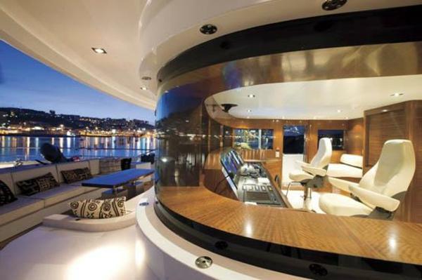 luxus yachten-einmaliges-design -sehr-schön