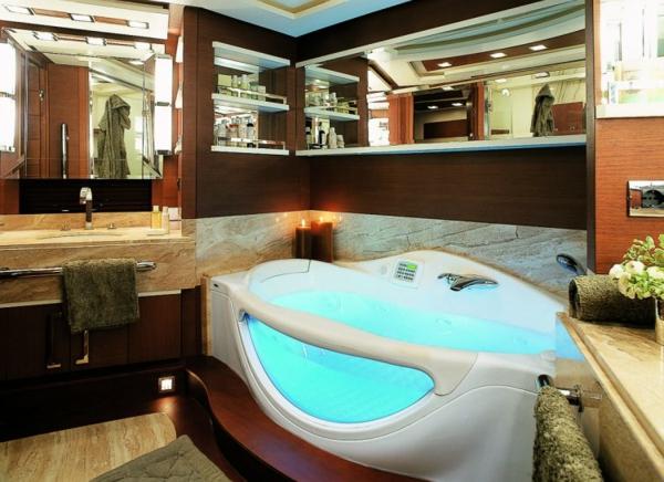 luxus yachten-jakuzzi-drin