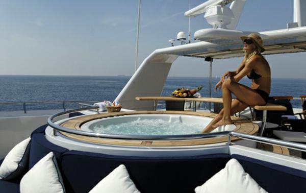 luxus yachten-jacuzzi