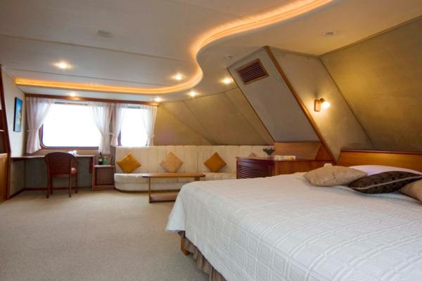 luxus yachten-modernes-aussehen