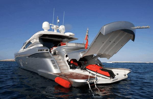 luxus yachten-ultramodernes-modell