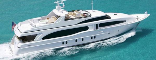 luxusyachten-weißes-modell