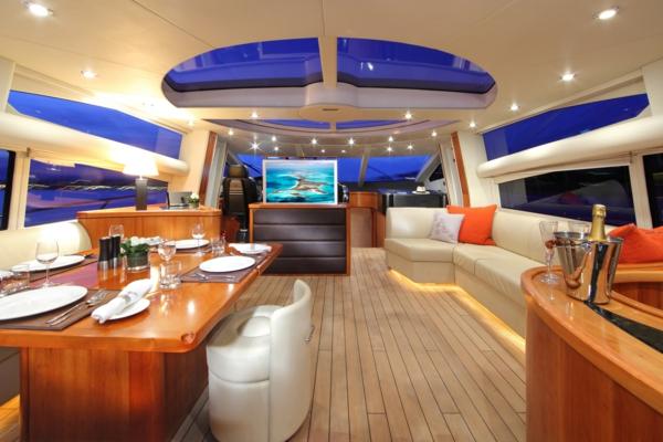 luxus yachten-wunderschöne-innenausstattung