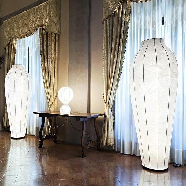 moderne-Bodenleuchte-mit-diffusem-Licht-LED Bodenleuchten