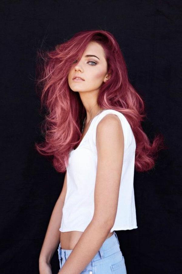 moderne-Frauenfrisur-rotes-Haar