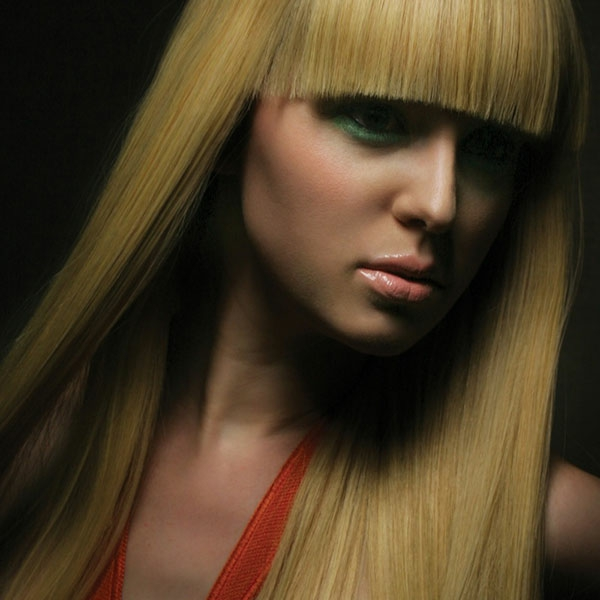 moderne-Frisuren-für-Frauen -blondes-Haar