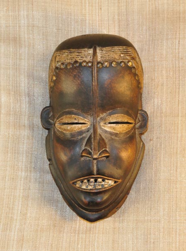 moderne-inteerssante-afrikanische-masken