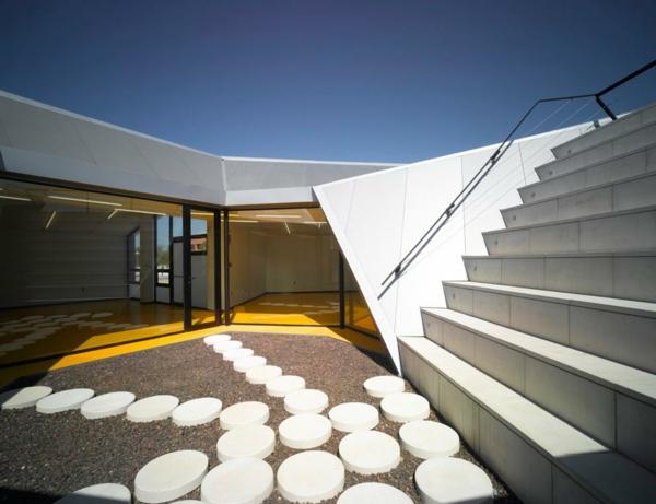 moderne-minimalistische-treppengeländer-für-außen