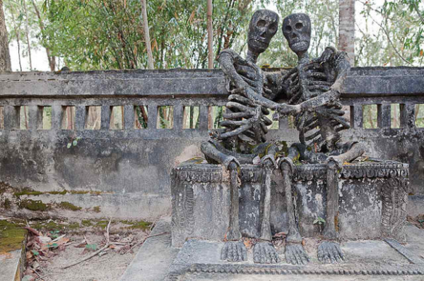moderne-skulpturen-sala-keoku-thailand