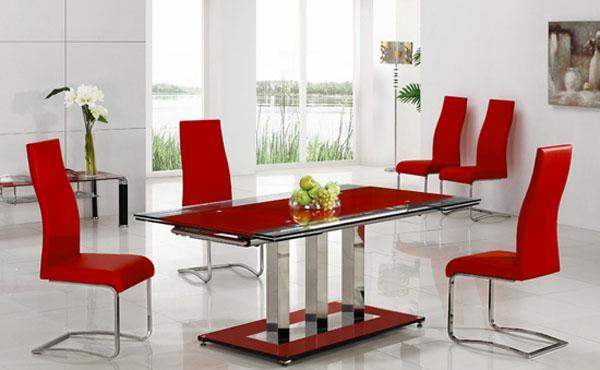 moderne-stühle-für-esszimmer-mit-einem-roten-esstisch