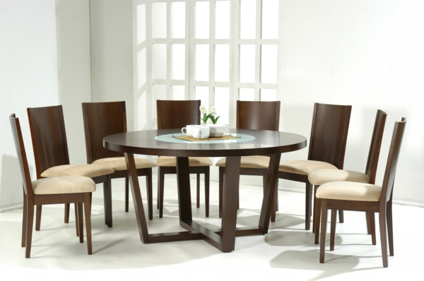 moderne-stühle-für-esszimmer-mit-einem-runden-esstisch