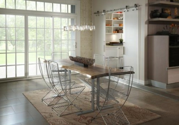 moderne-stühle-für-esszimmer-mti-einer-rustikalen-gestaltung