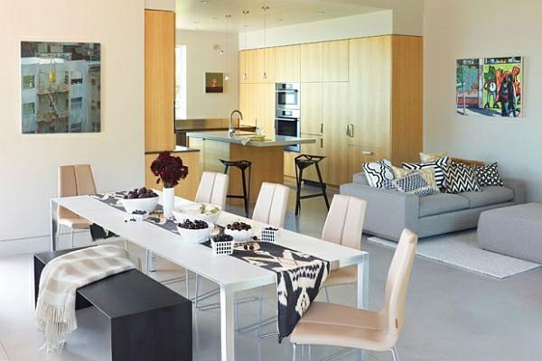 moderne-stühle-für-esszimmer-und-eine-schwarze-bank