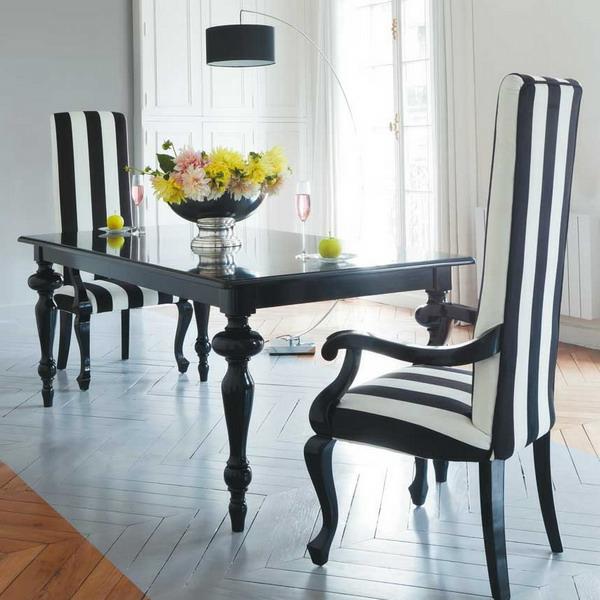 moderne-stühle-für-esszimmer-weiße-und-schwarze-strichen