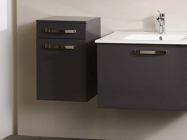 moderner-schöner-Hängeschrank-Badezimmer