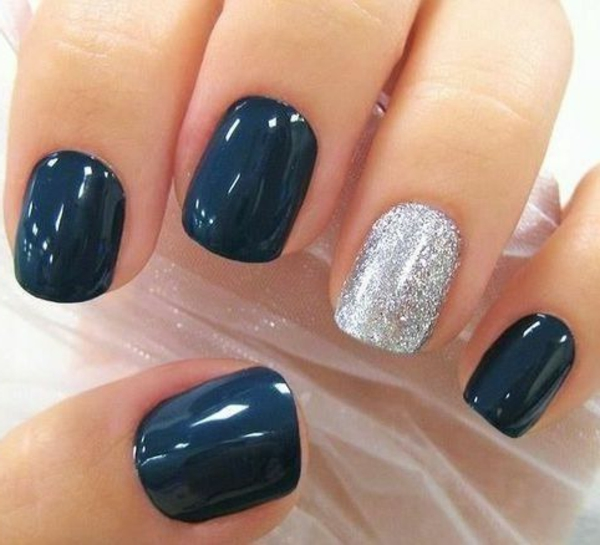 modernes--Design-Fingernägel-schwarz