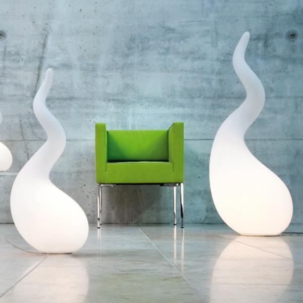 originelle-weiße.LED-Bodenleuchten-mit-interessantem-Design