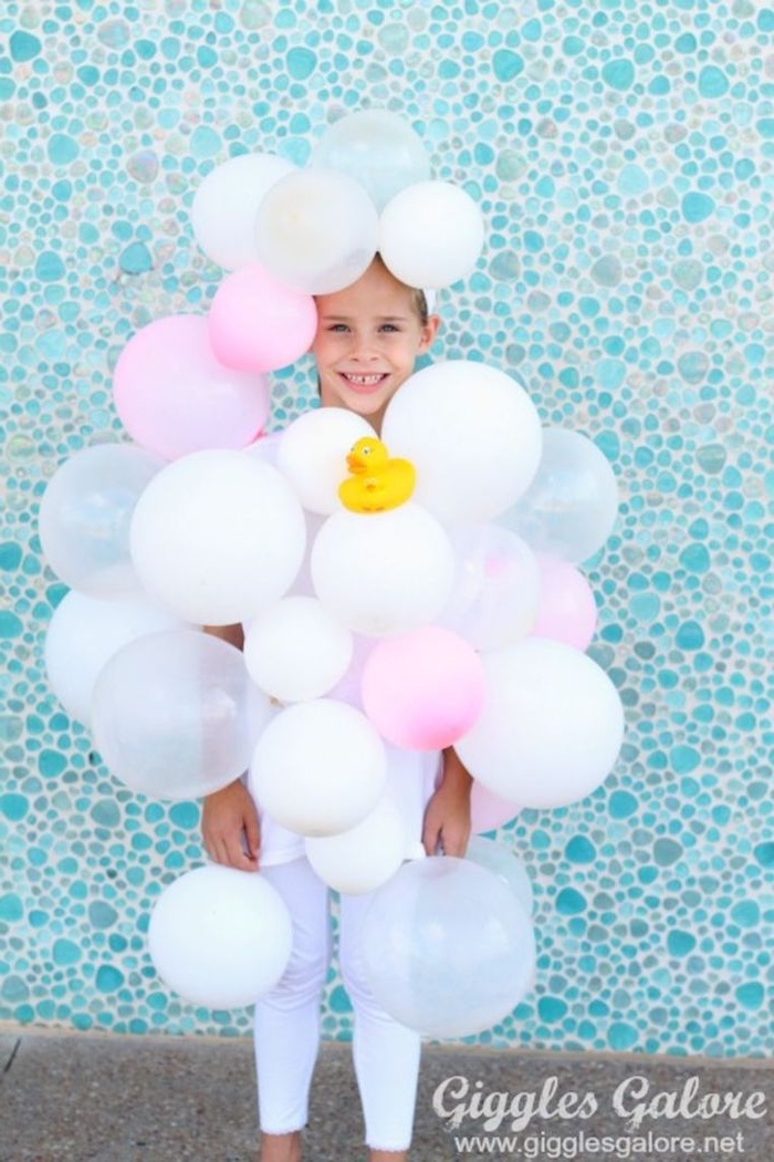 originelle einfache halloween kostüme für mädchen schaumbad verkleidung luftballons inspiration und ideen kreativ