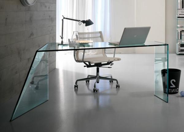 Schreibtisch-mit-originellem-Design