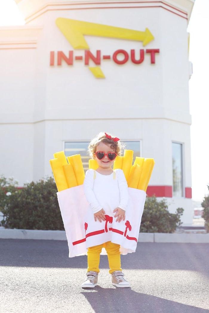 pommes halloween kostüm für kinder mädchen sonnenbrillen herzform originelle ideen verkleidung kostümparty inspirtion