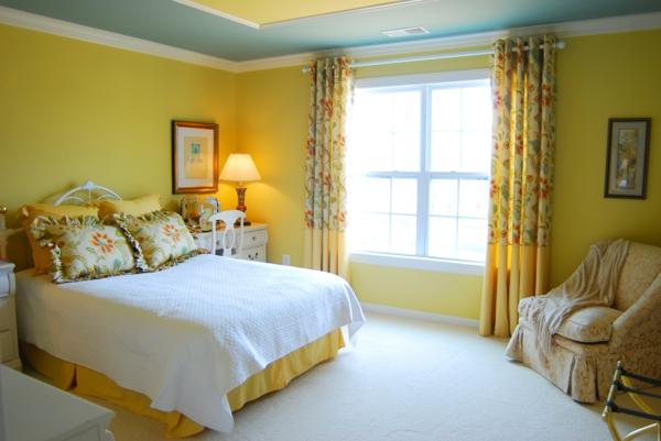richtig-schöne-gelbe-farbgestaltung-im-schlafzimmer