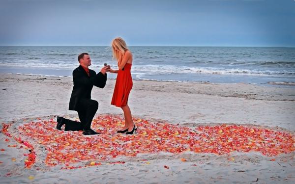 romantische-ideen-am-strand-heiratsantrag