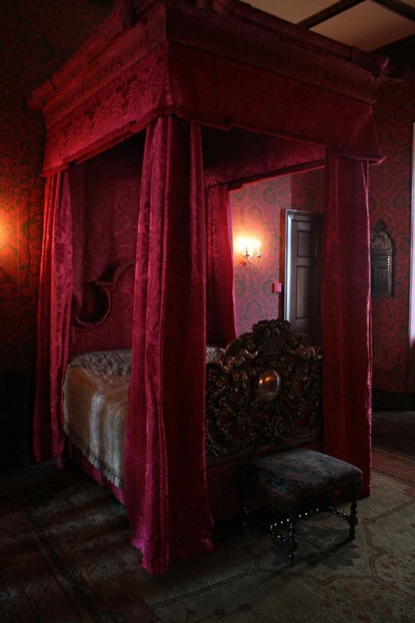 romantisches-gothic-schlafzimmer