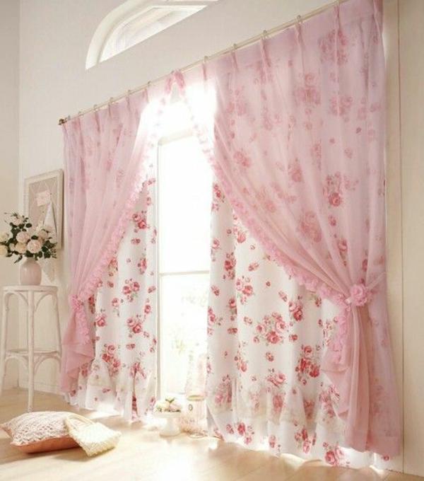 rosa-Vorhände-im-Schlafzimmer