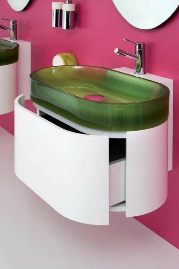 rosige-wand-im-badezimmer-und-ein-designer-waschbecken