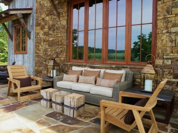 rustikale-gartenmöbel-sofa-mit-stühlen