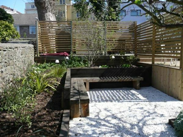 schöne-Eckbank-für-die-Terrasse-oder-den-Garten