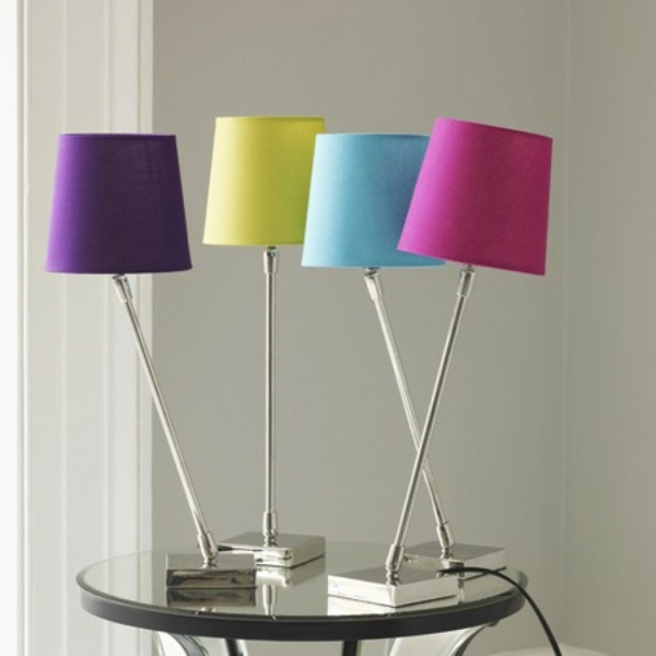schöne-farbige-Tischleuchten-in-mehreren Farben