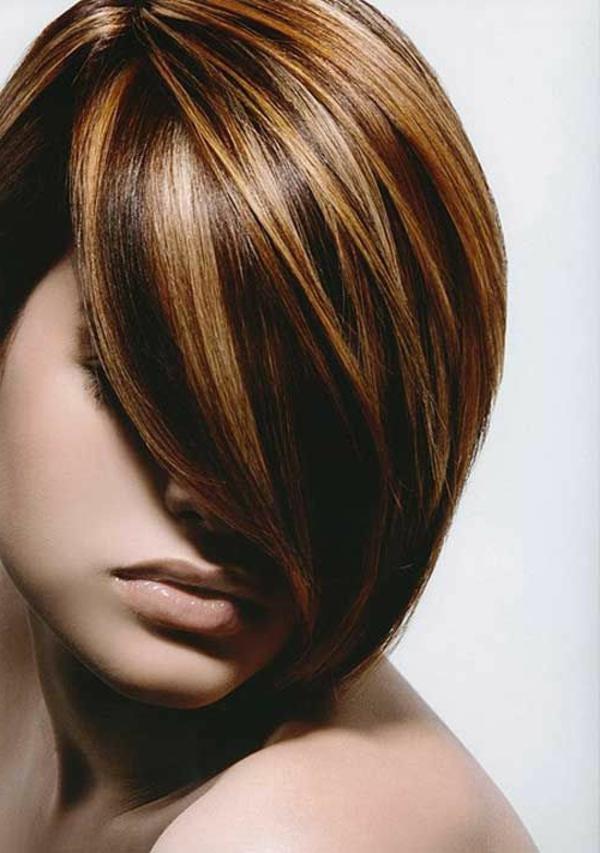 schöne-moderne-Frisuren-für-Frauen-mit-kurzem-Haar