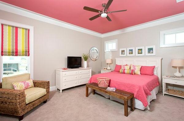 schönes-Design-Schlafzimmer-in-Rosa