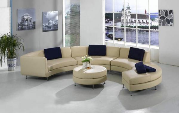 schönes--Sofa-in-halbrunder-Form-Beige