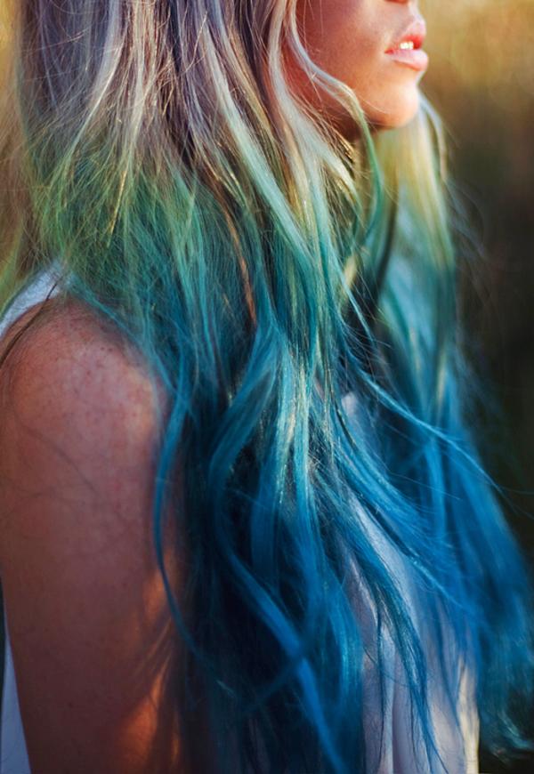 schicke-Frauenfrisur-viele-Farben