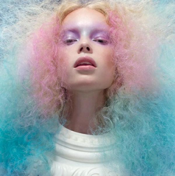 schicke-Frauenfrisuren-extravagantes_Haar