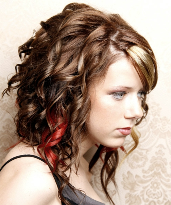 schicke-frisuren-rote-elemente