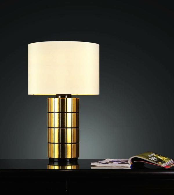 schickes-modell-von-schlafzimmer lampe