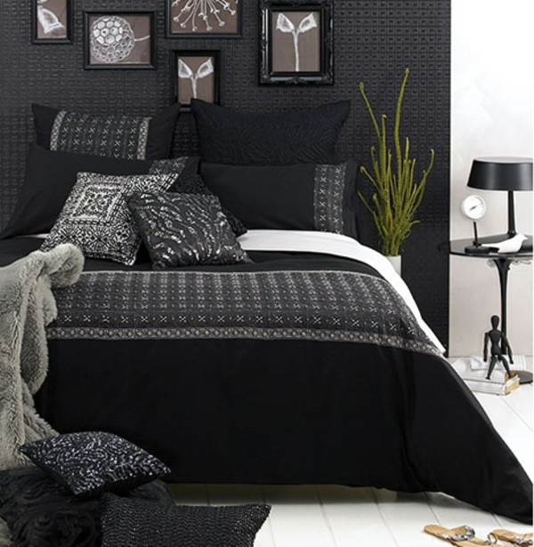 schwarze wandfarbe f r schlafzimmer 30 bilder. Black Bedroom Furniture Sets. Home Design Ideas