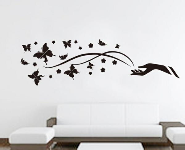 schwarzer-schmetterling-schlichte-schöne-wandgestaltung