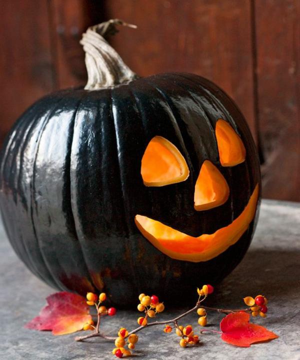 schwarzes-Halloween-Kürbis-Gesicht-Ideen
