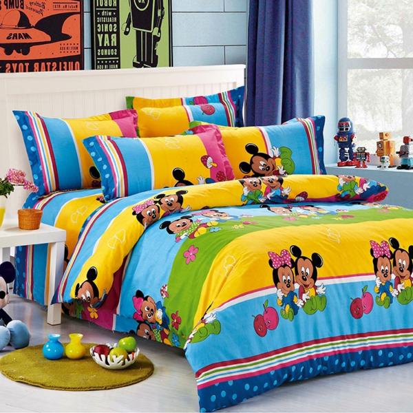 sehr-bunte-Mickey-Maus-Bettwäsche-Kinderzimmer