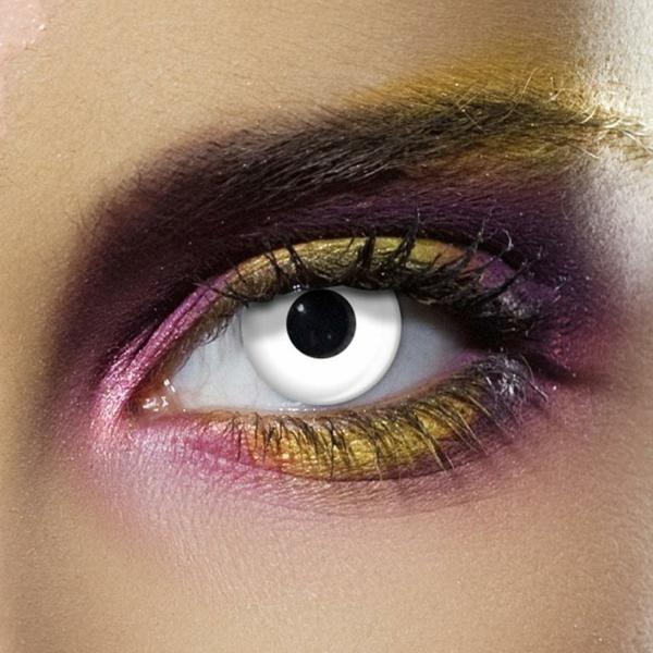 sehr-helle-kontaktlinsen-für-halloween