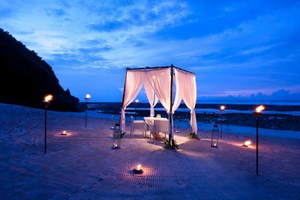 sehr-interessante-romantische-ideen-am-strand