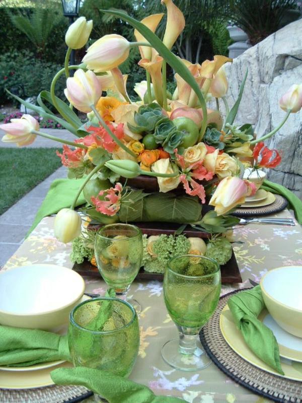 sehr-kreative-Tischdekoration-mit-rosa-Tulpen