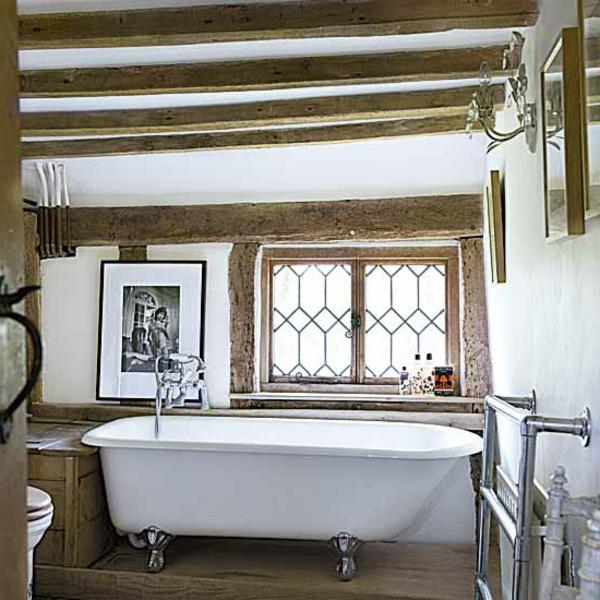 sehr-schöne-badmöbel-im-landhaus-stil