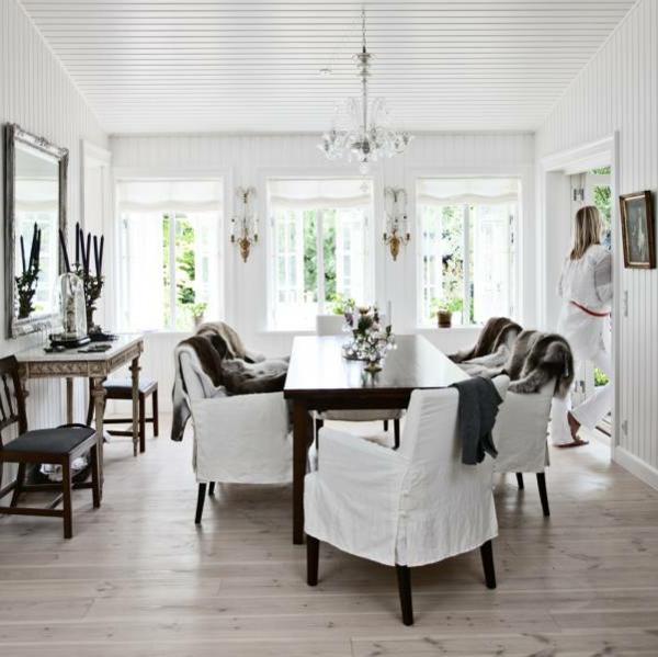 Skandinavisch wohnen in 100 bilder for Tisch nordisches design