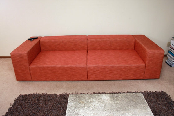 selbstbaumöbel-rote-couch